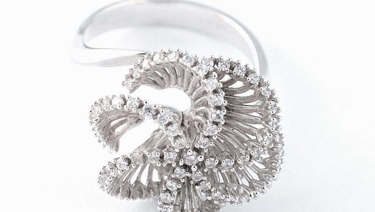 beautifull flower gold ring