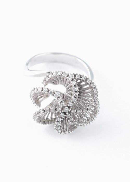 beautifull flower gold ring