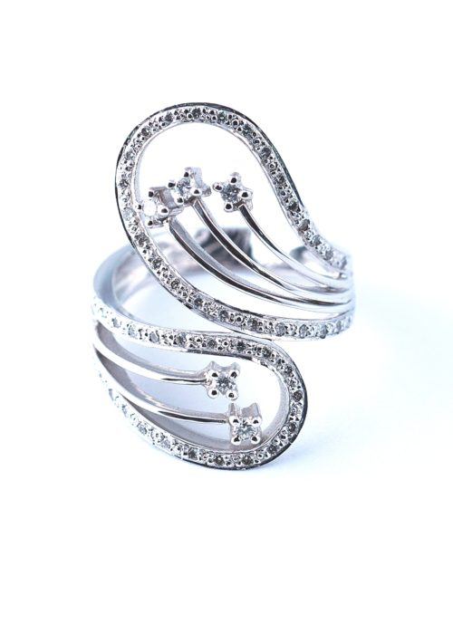 Diamond ring for a royal princess