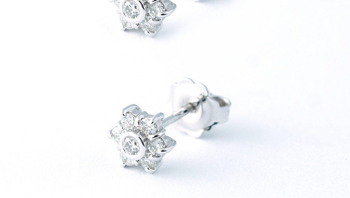 Graciously beautified earrings